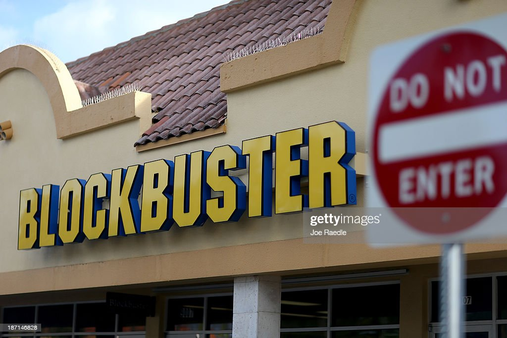 Blockbuster To Close All Its Remaining Stores : News Photo