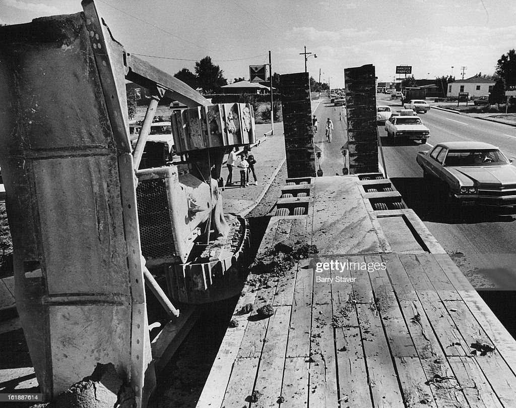 AUG 23 1973, AUG 24 1973; Blocks one lane of Traffic on Sheridan Blvd.; feared the trailer, owned by : News Photo