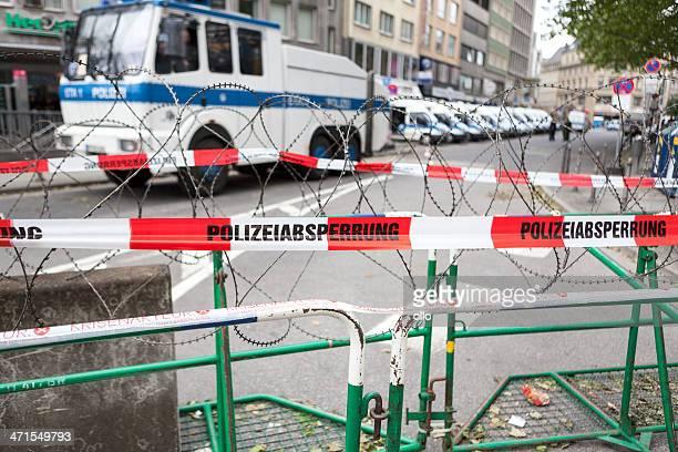 blockupy 2013 ,frankfurt - 非常線 ストックフォトと画像