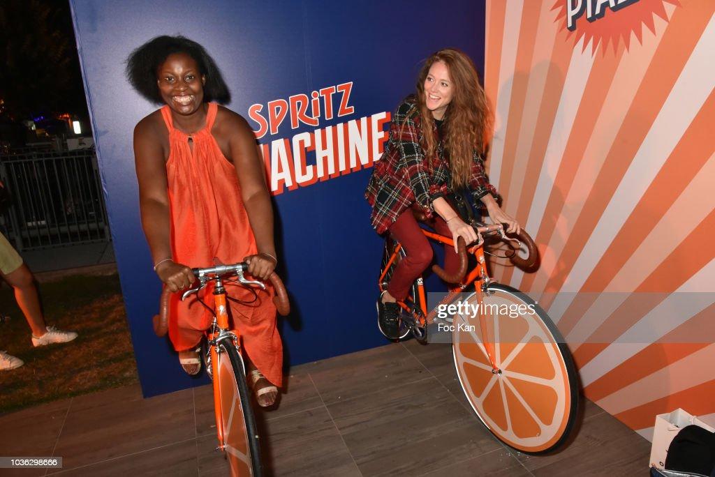 Spritz Plazza Party At The 118 Warner In Paris : Photo d'actualité