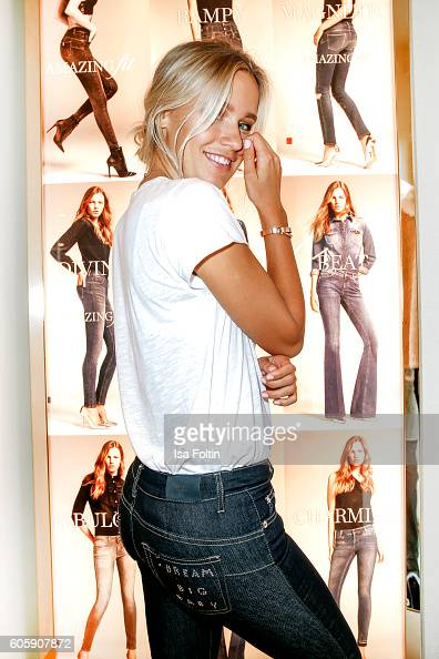 277afe8a200 Blogger Janine attends the Liu Jo Younique Club: denim customization... News  Photo | Getty Images