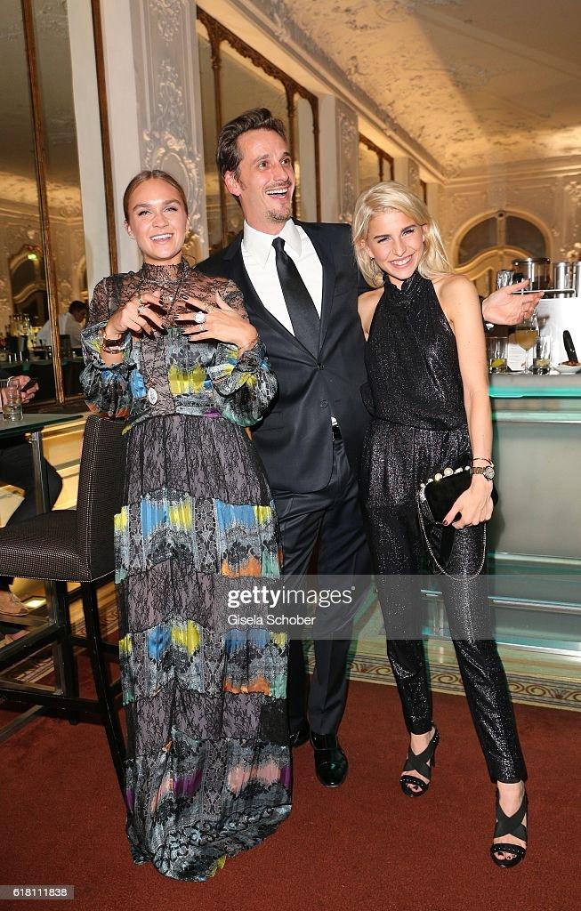 Cartier & Wempe Weinstrasse Host #Whatdrivesyou Event In Munich