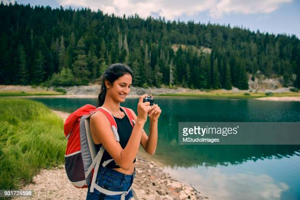 blogging about travel. - photography themes stock pictures, royalty-free photos & images
