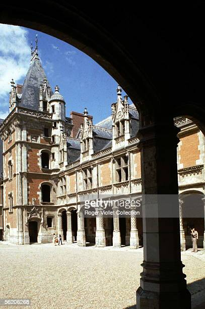 Blois . The castle, north-eastern wing said Louis-XII . RVB-10888.