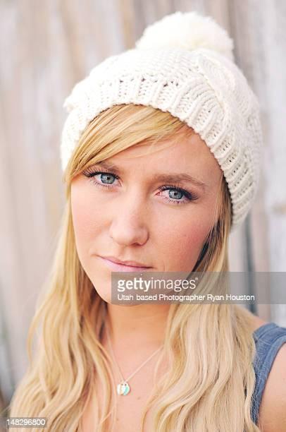 blonde model wearing knit hat and tanktop - lehi foto e immagini stock