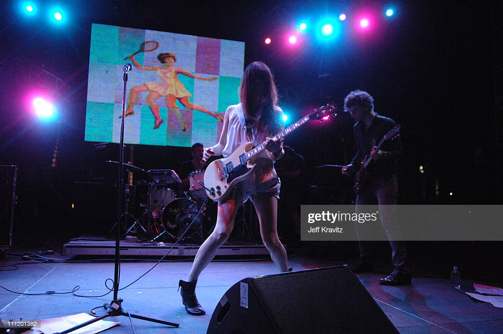 Coachella Valley Music and Arts Festival - Day Two - Blonde Redhead