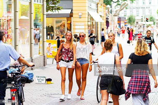 Mujer rubia joven en Heidelberg