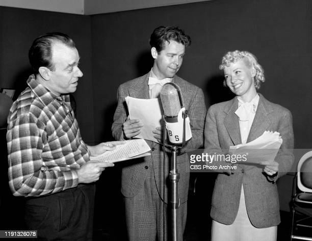Blondie a CBS Radio situation comedy Hollywood CA Left to right Ashmead Scott Arthur Lake and Penny Singleton November 20 1939