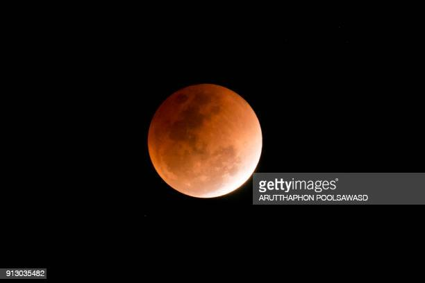 blood moon , total lunar eclipse - total lunar eclipse stock photos and pictures