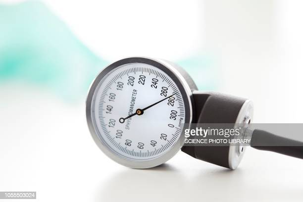 blood pressure gauge - blood pressure gauge stock pictures, royalty-free photos & images