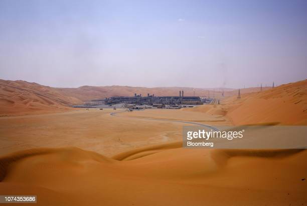 The Natural Gas Liquids facility stands among desert dunes in Saudi Aramco's Shaybah oilfield in the Rub' AlKhali desert in Shaybah Saudi Arabia on...