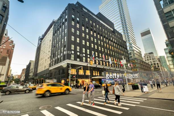 bloomingdale's luxury department store in downtown manhattan new york - flagship store stock pictures, royalty-free photos & images