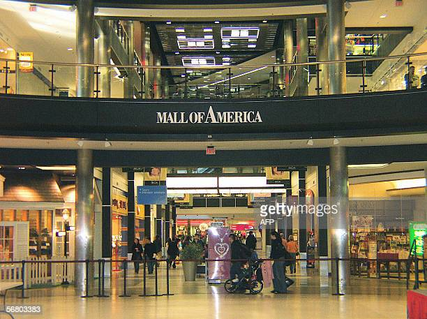 Bloomington, UNITED STATES: An entrance to the Mall of America is pictured 02 February 2006 in Bloomington, Minnesota. The largest mall in the US...