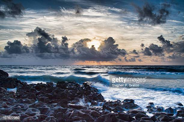 blowing rocks beach sunrise - jupiter island stock photos and pictures