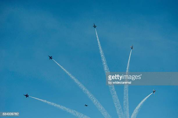 blue angels display - blue angels stock pictures, royalty-free photos & images