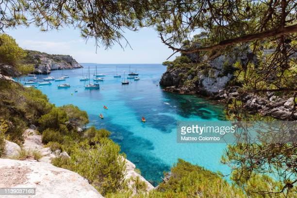 blue bay in summer, menorca, balearic islands, spain - cultura mediterrânica imagens e fotografias de stock