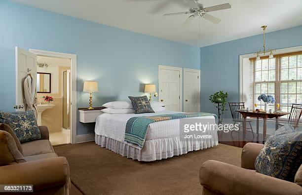 blue bedroom with breakfast - camera da letto foto e immagini stock