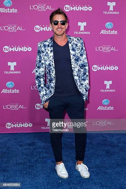 Jonathan Islas arrives at the 2015 Premios Tu Mundo at the American Airlines Arena in Miami Florida on August 20 2015 PREMIOS TU MUNDO 2015 Alfombra...