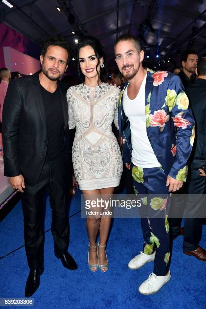 MUNDO 2017 Blue Carpet Pictured Yul Burkle Scarlet Ortiz and Jonathan Islas arrives to the 2017 Premios Tu Mundo at the American Airlines Arena in...