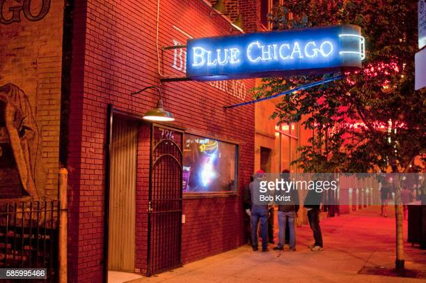 blue chicago blues club - chicago musical stock pictures, royalty-free photos & images