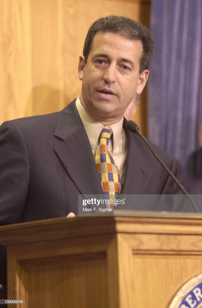 Blue Dog Coalition member, Senator Russ Feingold, D-Wisc., spoke at a press conference on Thursday to endorse his support of the Shays-Meehan bill.