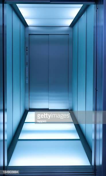 blue Aufzug
