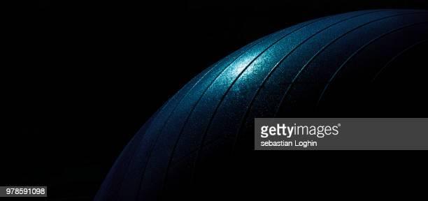 blue exercise ball close-up - sportgerät stock-fotos und bilder