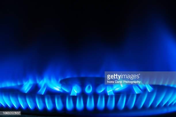 blue flame - 天然ガス ストックフォトと画像