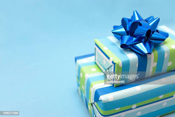 blue gift box - birthday gift stock pictures, royalty-free photos & images