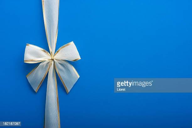 Azul com um laço de presente