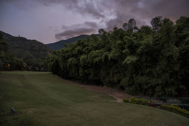 VEN: Caracas Country Club: Where the 0.01% Await Socialism's Collapse
