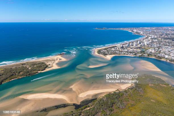 blue horizon over maroochydore - sunshine coast australia stock pictures, royalty-free photos & images