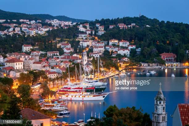 blue hour, cavtat, harbour, croatia - croacia fotografías e imágenes de stock