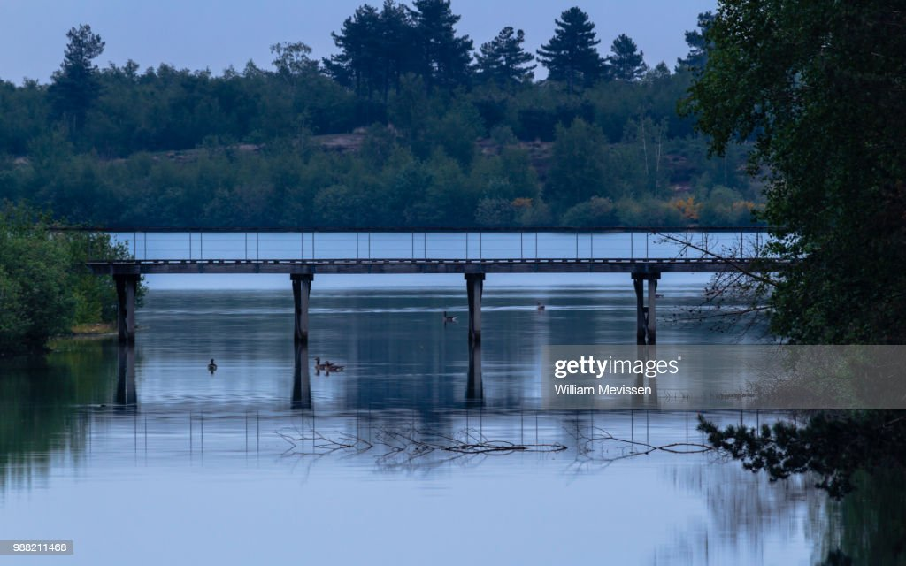 Blue Hour Floating : Stockfoto