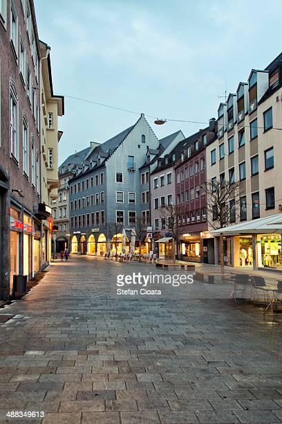 blue hour in augsburg - augsburg stock-fotos und bilder