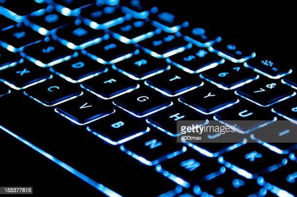 Azul iluminado teclado