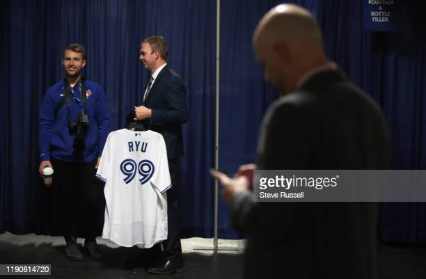 TORONTO ON DECEMBER 27 Blue Jays staff wait for the newly signed pitcher The Toronto Blue Jays host a media availability with new signed free agent...