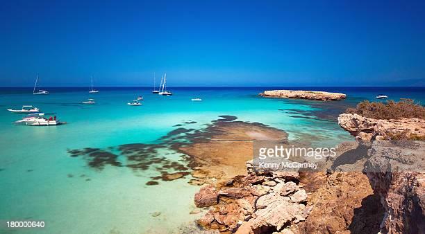 blue lagoon, cyprus - cyprus stockfoto's en -beelden