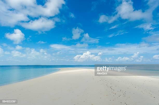 blue lagoon, semporna, sabah, malaysia - linha do horizonte sobre água - fotografias e filmes do acervo