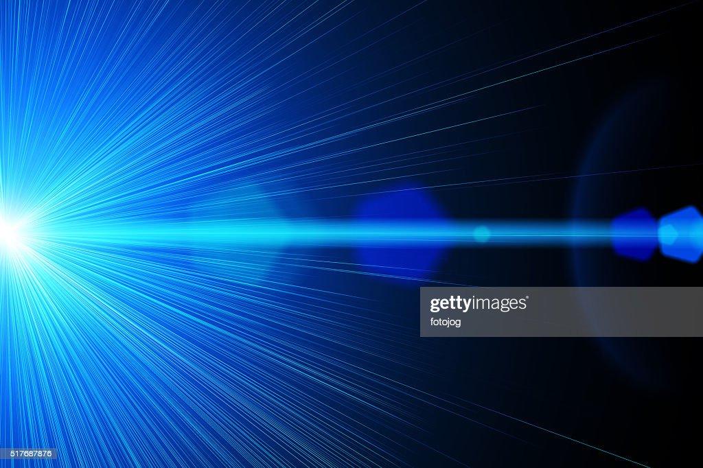 レーザー方式は光学原理に基づき、ピンまでの距離を表示する