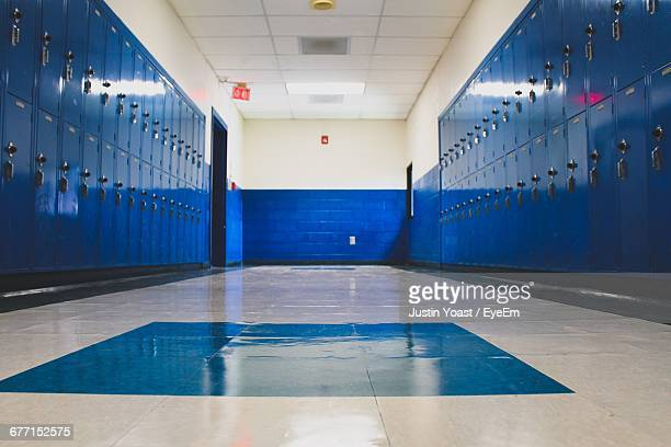 blue lockers in school - leisure facilities stock pictures, royalty-free photos & images