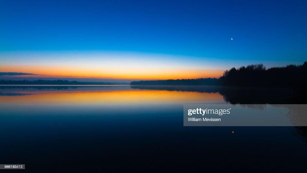 Blue Morning Sunrise : Bildbanksbilder