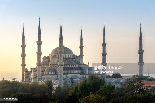 blue mosque at sunrise in autumn, istanbul, turkey - hagia sophia stock pictures, royalty-free photos & images