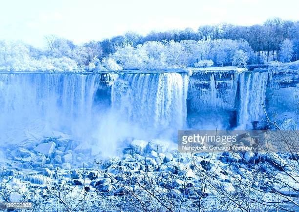 blue niagara falls - nancybelle villarroya stock photos and pictures