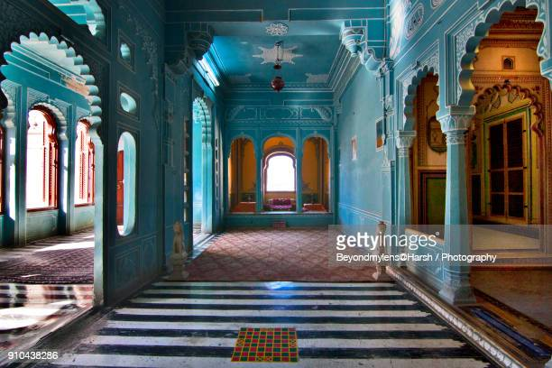 blue rooms of royal palace - udaipur stock pictures, royalty-free photos & images