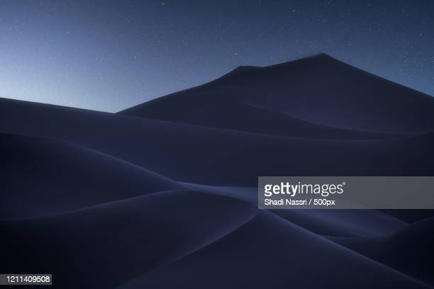 blue sands of liwa desert, abu dhabi, united arab emirates - abu dhabi stock pictures, royalty-free photos & images