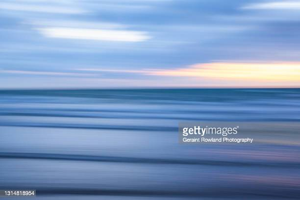 blue sea swells of the uk - geraint rowland stock pictures, royalty-free photos & images