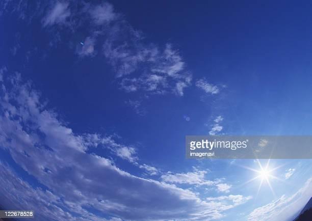 blue sky and sunshine - novembro azul - fotografias e filmes do acervo