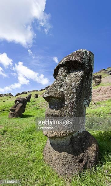 blue sky over moai at rano raraku easter island chile - rano raraku stock pictures, royalty-free photos & images