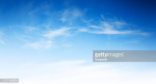 blue sky with delicate clouds - からっぽ ストックフォトと画像
